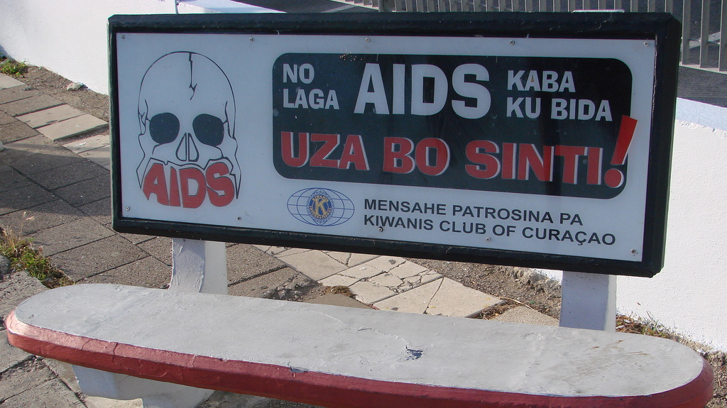 Curacao-aids-announcement-bench