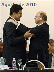 Venezuelan Foriegn Minister Nicolás Maduro spoke with Argentine Foreign Minister Héctor Timmerman at the Mercosur meeting on Monday.