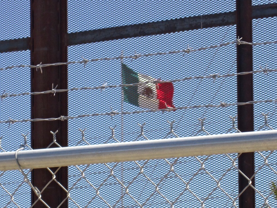 an essay on the united states mexican border Describe the situation with the drugs crossing the border into the united states is it possible to adequately address this issue and not affect the us / mexican economic status.