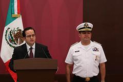 Security Secretary Alejandro Poiré (left) and José Luis Vergara (right).