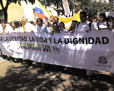 Protesters march against the FARC (February 2008).