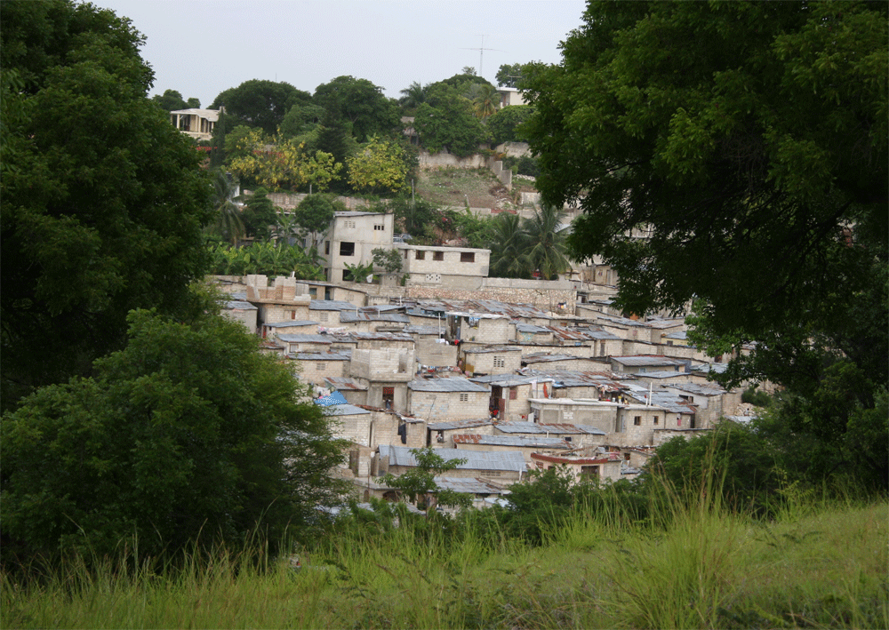 A neighborhood in Port-au-Prince, Haiti. Photo by Alsandro