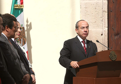 Mexican President Felipe Calderón speaking in Michoacan.