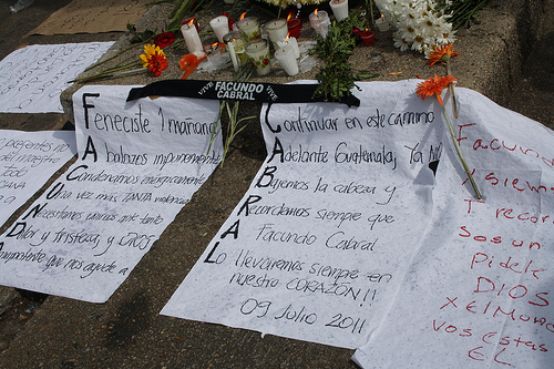 Messages left in tribute to Facundo Cabral.