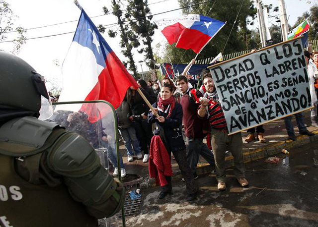Chile-protesters