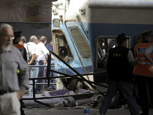 buenos-aires-train-crash-kills-50