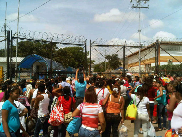 Venezuela-1200-Visitors-Held-Hostage-In-Prison-Released
