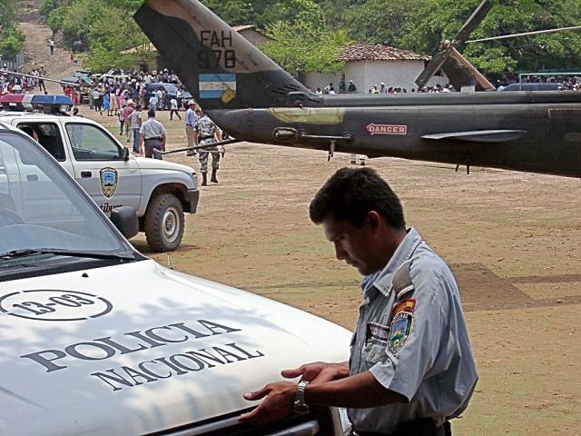 Honduras_police_car_San_Francisco_Lempira