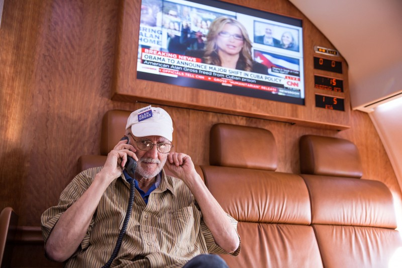 Alan Gross speaks on the phone with President Barack Obama after his release from Cuban prison on Dec. 17, 2014. (White House, public domain)