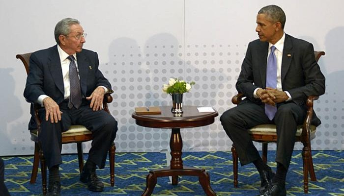 Cuban President Raúl Castro meets with U.S. President Barack Obama during the seventh Summit of the Americas. (Cuban Ministry of Foreign Affairs, public domain)
