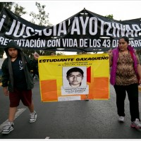 A protest over the Ayotzinapa disappearances in Oaxaca, Mexico. (Image: Montecruz Foto, CC BY-SA 2.0)