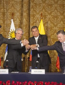 The presidents of Venezuela, Uruguay, Ecuador and Colombia at a meeting Monday to resolve a border dispute between Venezuela and Colombia. (Image: public domain)