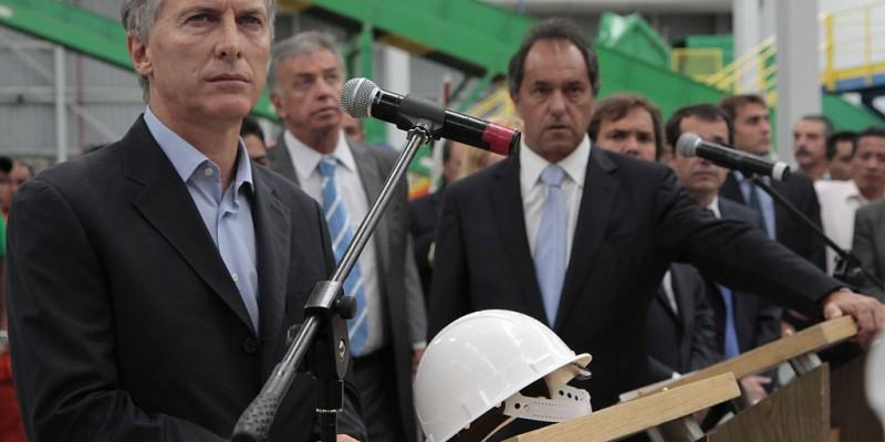 Argentine presidential candidates Mauricio Macri and Daniel Scioli. (Image: Gobierno de la Ciudad de Buenos Aires, CC BY 2.0)