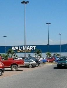 A Walmart in Puerto Vallarta, Mexico. (Image: Coolcaesar, CC BY-SA 3.0)
