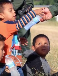 Unaccompanied minors on the U.S.-Mexican border. (Image: YouTube, screenshot)