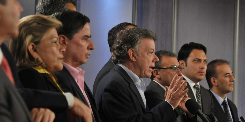 Colombian President Juan Manuel Santos announces Tuesday the request for a U.N. monitoring force to oversee a future ceasefire with FARC rebels. (Image: César Carrión, public domain)