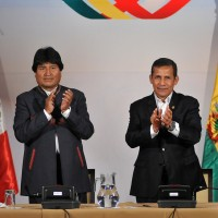 Presidents Ollanta Humala, right, of Peru, and Evo Morales, of Bolivia, at a press conference in 2015. (Image: Peruvian Ministry of Foreign Relations, CC BY-SA 4.0)