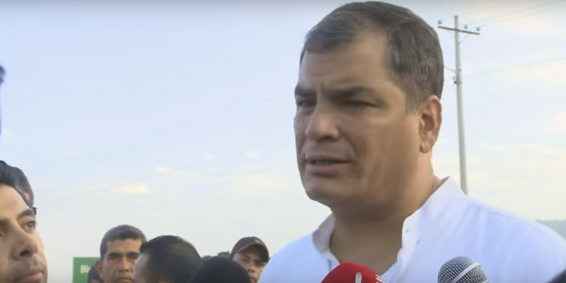 Ecuador's President Rafael Correa briefs reporters on relief efforts following a deadly earthquake on April 16. (Image: Youtube, screenshot)
