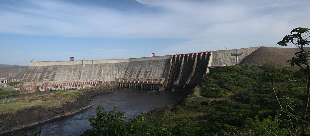 The Guri Dam, one of Venezuela's largest hydroelectric dams. (Image: Enrique Rodriguez Bencomo/Wikimedia Commons, CC BY-SA 3.0)