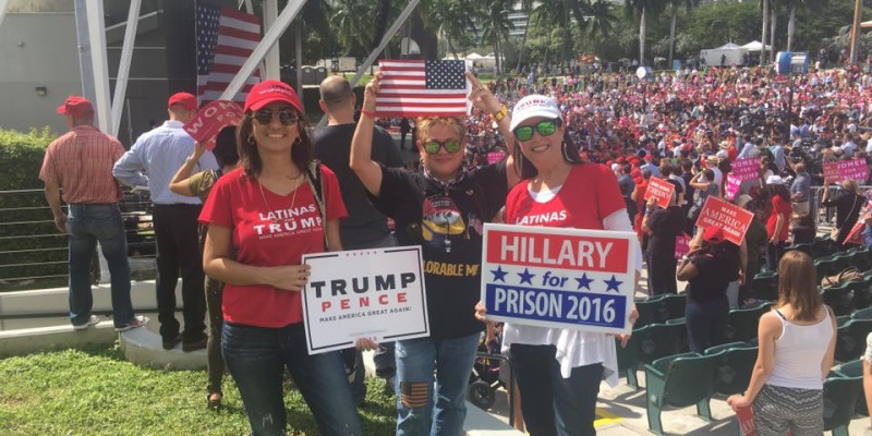 Latinas for Trump at a Nov. 2 rally in Miami, Florida. (Image: Denise Galvez)