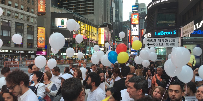 Times Square, New York. Sept. 26, 2016. The day of the signature of the original peace agreement between the Colombian government and the Revolutionary Armed Forces of Colombia (FARC). (Image: Daniela Castro)