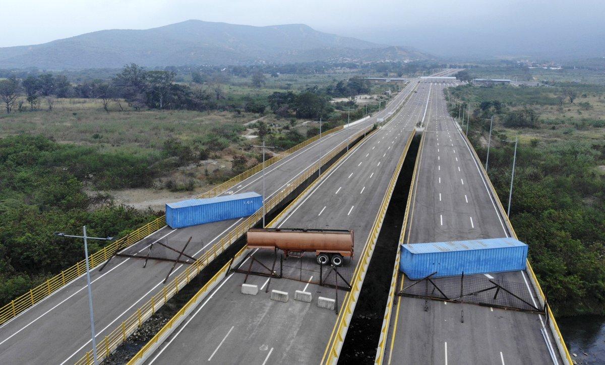 Gunmen Ambush Mexico Police, Killing 15 - Latin America News