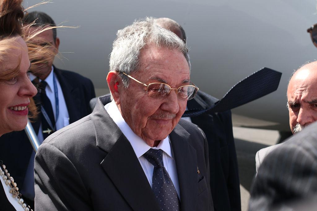 Raúl Castro steps down as Communist Party head